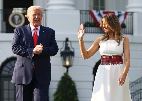Ông Trump và bà Melania đã ký thỏa thuận tiền hôn nhân-2