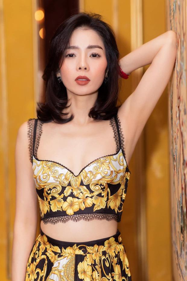 2 mẹ bỉm hot nhất Vbiz mừng lễ độc thân: Phạm Quỳnh Anh sexy nổi loạn, Lệ Quyên nhập hội F.A sau 7749 lần lộ hint với tình trẻ-8