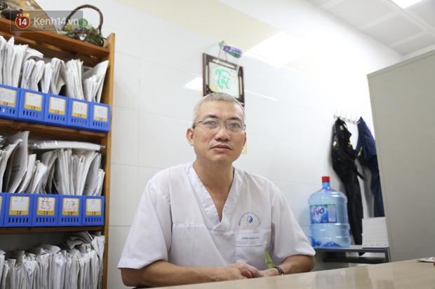 """Bác sỹ từng chữa gần 10 ca nhập viện vì bóng cười: Có người đi như bò mới đẻ, không điều trị kịp sẽ bị liệt nửa người""""-1"""