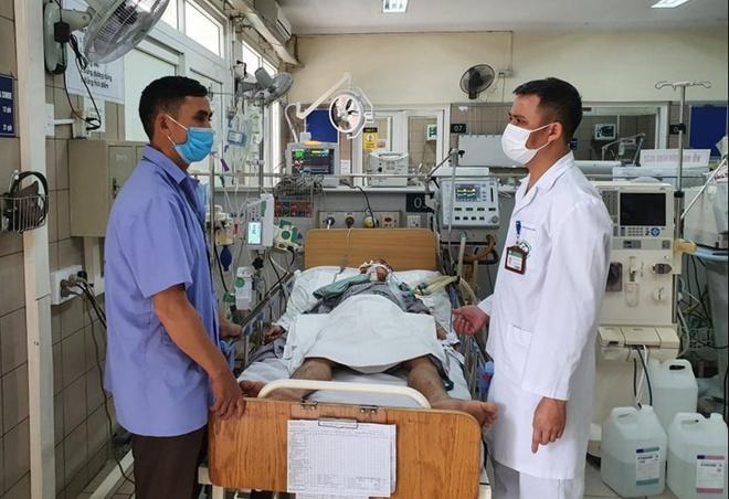 Bệnh viện Bạch Mai cảnh báo về loại rượu vừa gây chết người-2