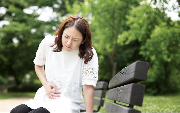 Người phụ nữ phát hiện ung thư thực quản dù không có triệu chứng và 3 manh mối dễ nhận biết-1