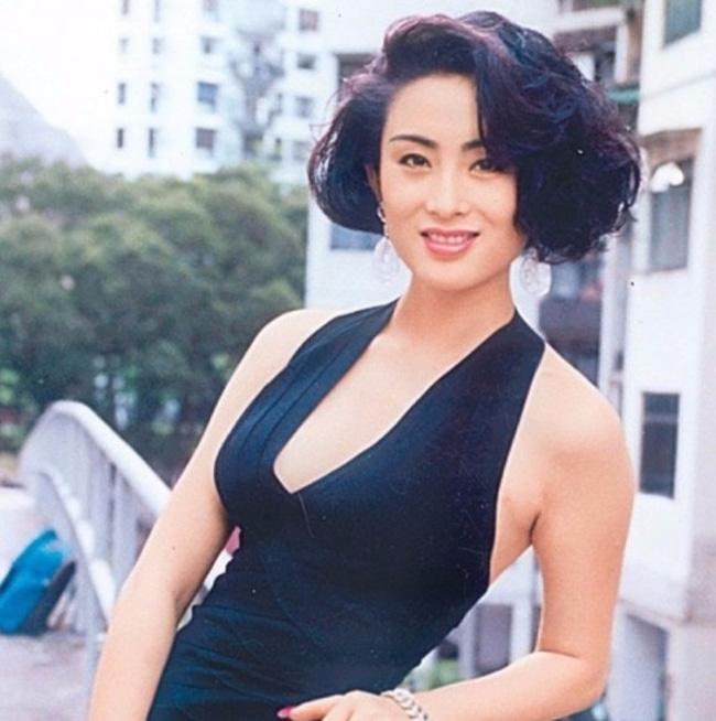 Trước khi gây thất vọng bởi ngoại hình biến dạng, đệ nhất mỹ nhân Hong Kong khiến Châu Tinh Trì điên đảo từng sở hữu nhan sắc đẹp tới nhường này-11