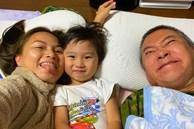 Lâu lắm mới thấy ông xã Quỳnh Trần JP 'lên sóng', ai cũng bật cười vì pha tạo dáng cực độc của bố bé Sa