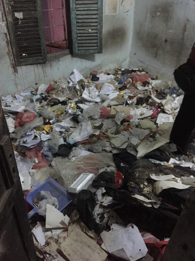 Cho thanh niên ở Hà Nội thuê nhà 7 năm, bà chủ đứng hình khi nhận lại nhà không khác gì một bãi rác!-1