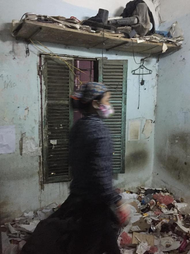 Cho thanh niên ở Hà Nội thuê nhà 7 năm, bà chủ đứng hình khi nhận lại nhà không khác gì một bãi rác!-2