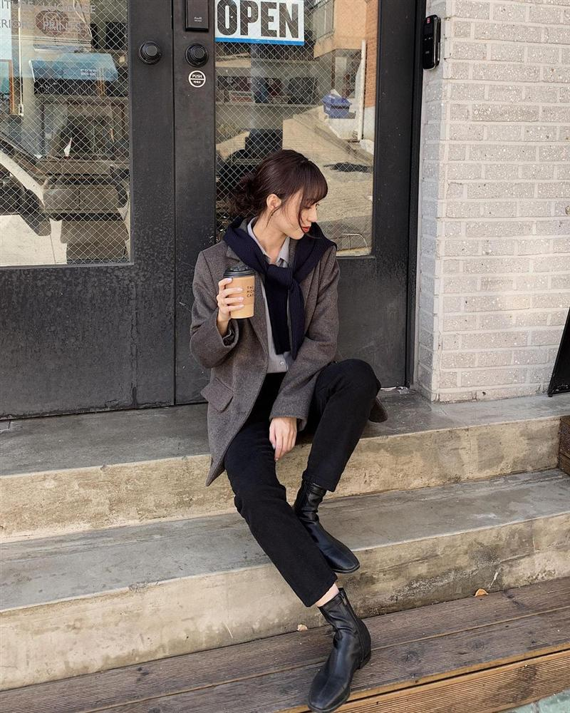 Gái Hàn mặc blazer trông sang chảnh chứ không hề già, các nàng học ngay 10 công thức để có set đồ trendy không cần hỏi-1