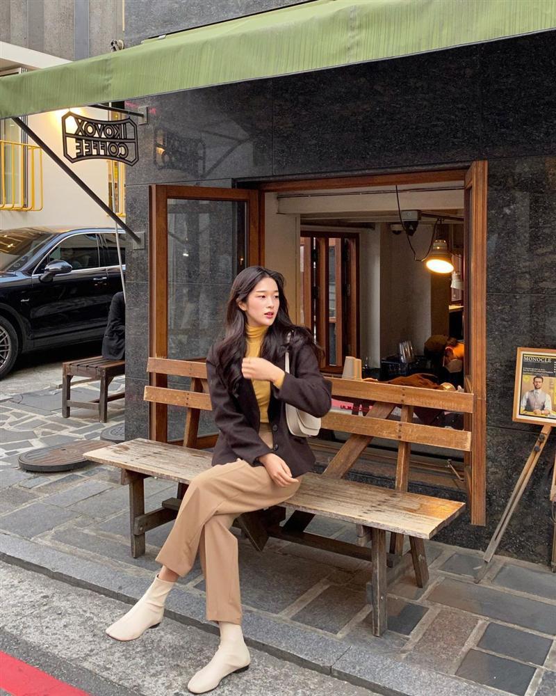Gái Hàn mặc blazer trông sang chảnh chứ không hề già, các nàng học ngay 10 công thức để có set đồ trendy không cần hỏi-3