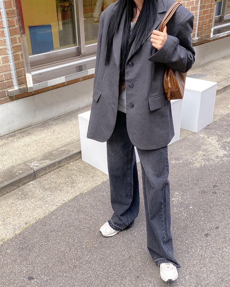 Gái Hàn mặc blazer trông sang chảnh chứ không hề già, các nàng học ngay 10 công thức để có set đồ trendy không cần hỏi-4