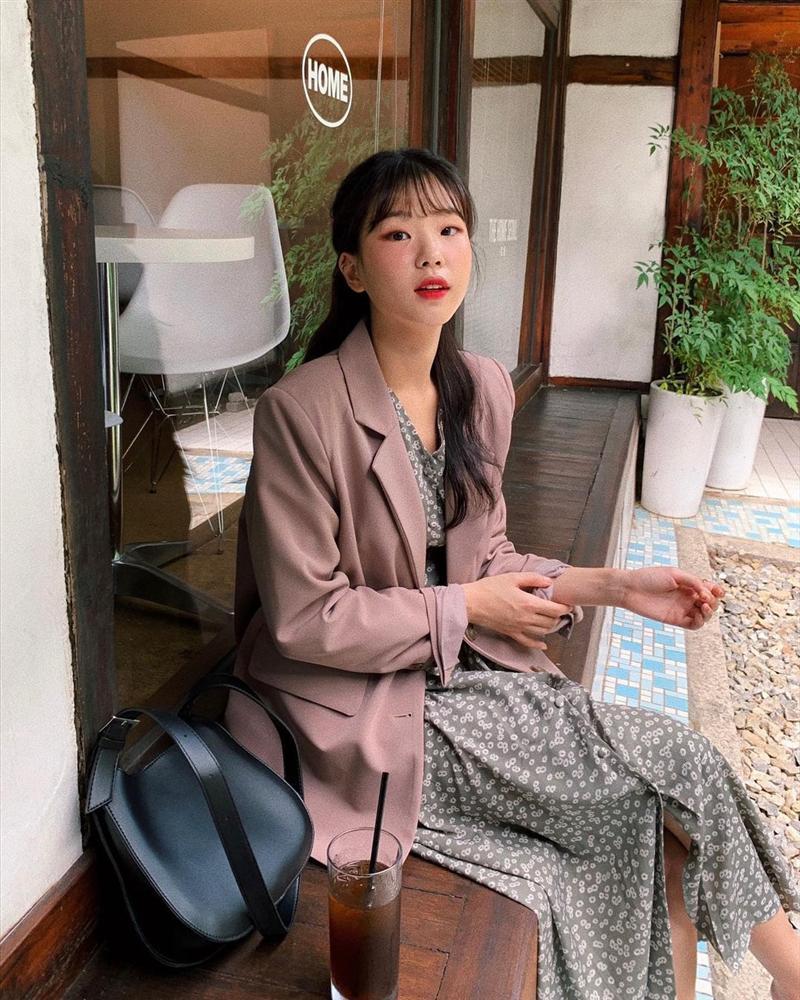 Gái Hàn mặc blazer trông sang chảnh chứ không hề già, các nàng học ngay 10 công thức để có set đồ trendy không cần hỏi-7