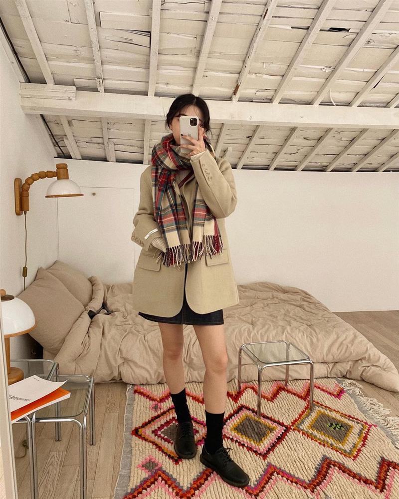 Gái Hàn mặc blazer trông sang chảnh chứ không hề già, các nàng học ngay 10 công thức để có set đồ trendy không cần hỏi-8
