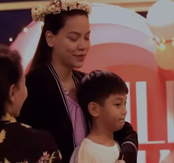 Chi tiết cực nhỏ cho thấy thái độ của Hồ Ngọc Hà với Subeo sau khi sinh con và nhận lời cầu hôn của Kim Lý-2
