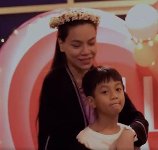 Chi tiết cực nhỏ cho thấy thái độ của Hồ Ngọc Hà với Subeo sau khi sinh con và nhận lời cầu hôn của Kim Lý-3
