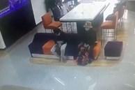 Clip quá trình nghi phạm tẩm xăng doạ đốt, cướp chi nhánh ngân hàng TPBank ở Sài Gòn