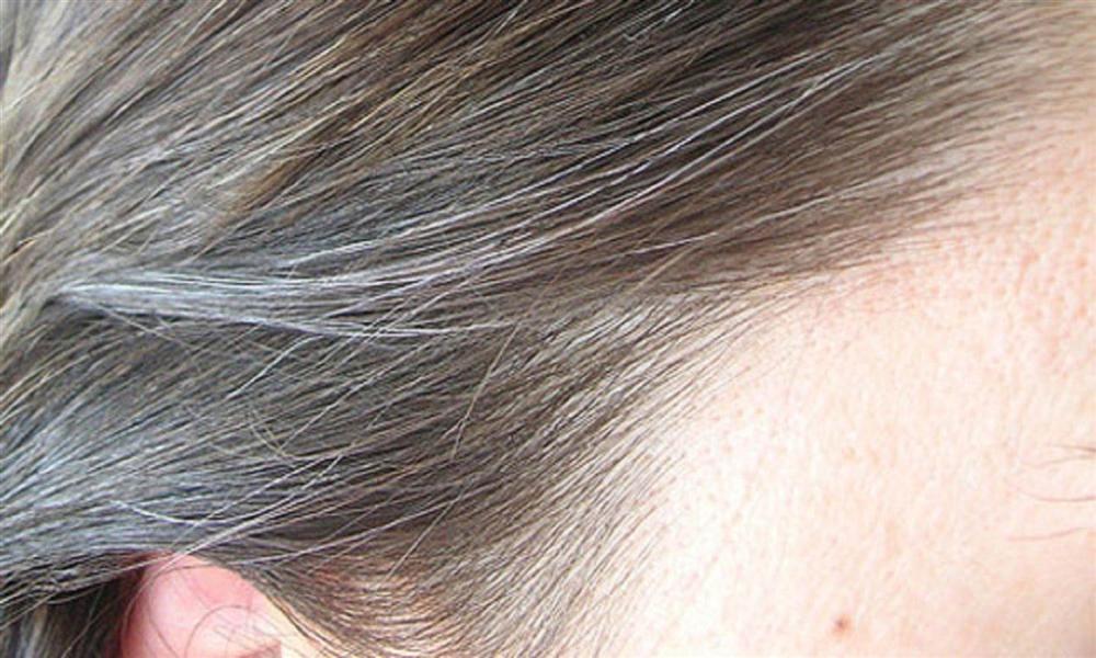 Mai Phương Thúy lộ ngay tóc bạc lởm chởm ở tuổi 32, chị em nên lưu ý những điều sau mới mong có mái tóc đen nháy bóng khỏe-6