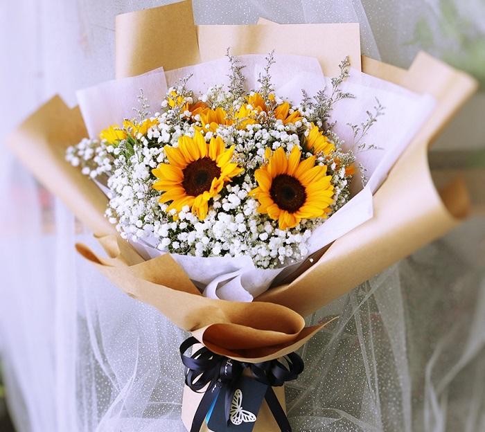Mách bạn cách chọn và cắm hoa chào mừng ngày Nhà giáo Việt Nam 20/11 thật trang trọng, ý nghĩa-2