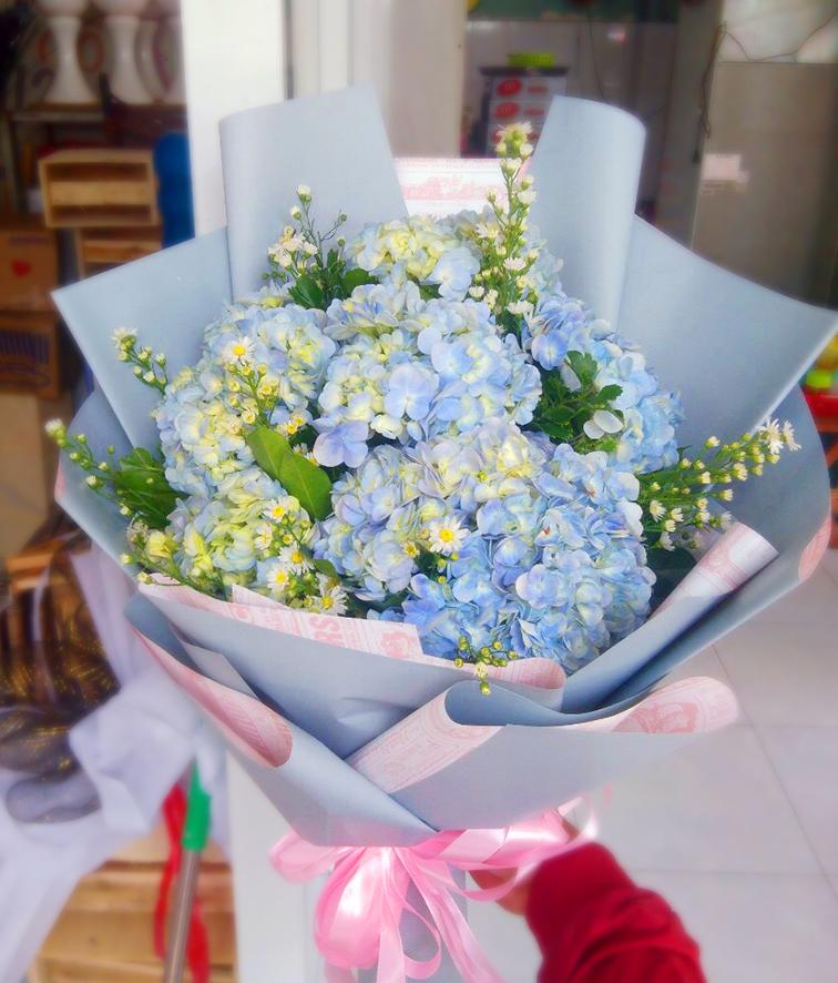 Mách bạn cách chọn và cắm hoa chào mừng ngày Nhà giáo Việt Nam 20/11 thật trang trọng, ý nghĩa-4