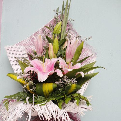 Mách bạn cách chọn và cắm hoa chào mừng ngày Nhà giáo Việt Nam 20/11 thật trang trọng, ý nghĩa-5