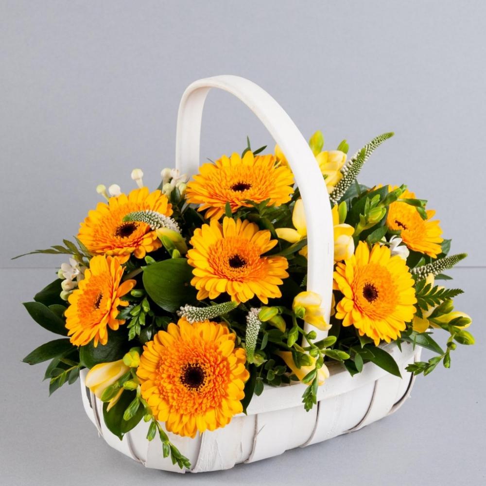 Mách bạn cách chọn và cắm hoa chào mừng ngày Nhà giáo Việt Nam 20/11 thật trang trọng, ý nghĩa-8