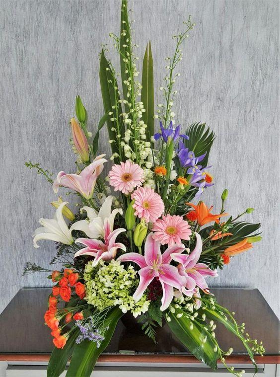 Mách bạn cách chọn và cắm hoa chào mừng ngày Nhà giáo Việt Nam 20/11 thật trang trọng, ý nghĩa-10