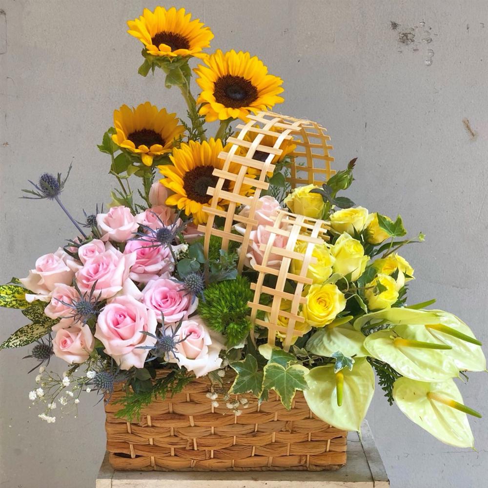 Mách bạn cách chọn và cắm hoa chào mừng ngày Nhà giáo Việt Nam 20/11 thật trang trọng, ý nghĩa-14