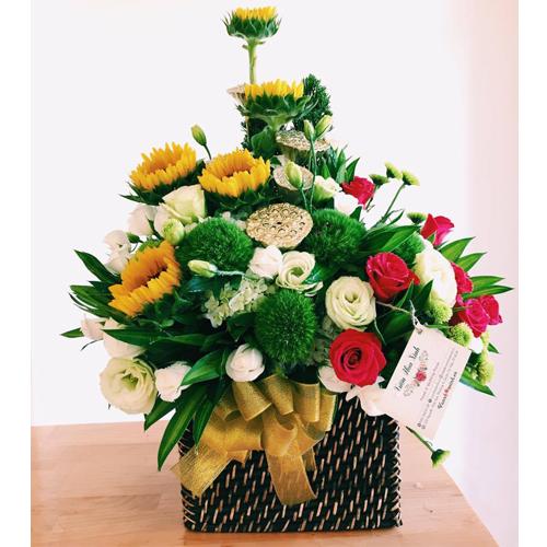 Mách bạn cách chọn và cắm hoa chào mừng ngày Nhà giáo Việt Nam 20/11 thật trang trọng, ý nghĩa-15