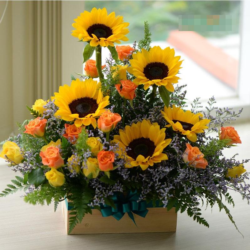 Mách bạn cách chọn và cắm hoa chào mừng ngày Nhà giáo Việt Nam 20/11 thật trang trọng, ý nghĩa-18