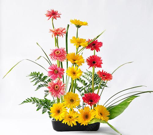 Mách bạn cách chọn và cắm hoa chào mừng ngày Nhà giáo Việt Nam 20/11 thật trang trọng, ý nghĩa-19
