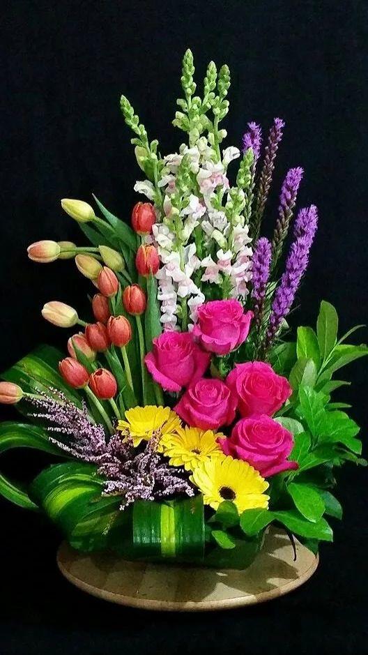 Mách bạn cách chọn và cắm hoa chào mừng ngày Nhà giáo Việt Nam 20/11 thật trang trọng, ý nghĩa-22
