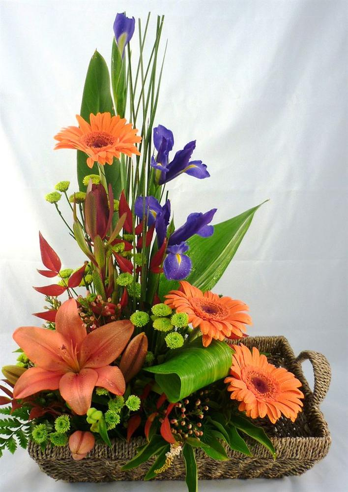 Mách bạn cách chọn và cắm hoa chào mừng ngày Nhà giáo Việt Nam 20/11 thật trang trọng, ý nghĩa-23