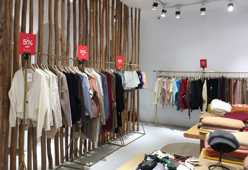 Chưa đến Black Friday đã bão giảm giá, quần áo giá 2.000 đồng-10
