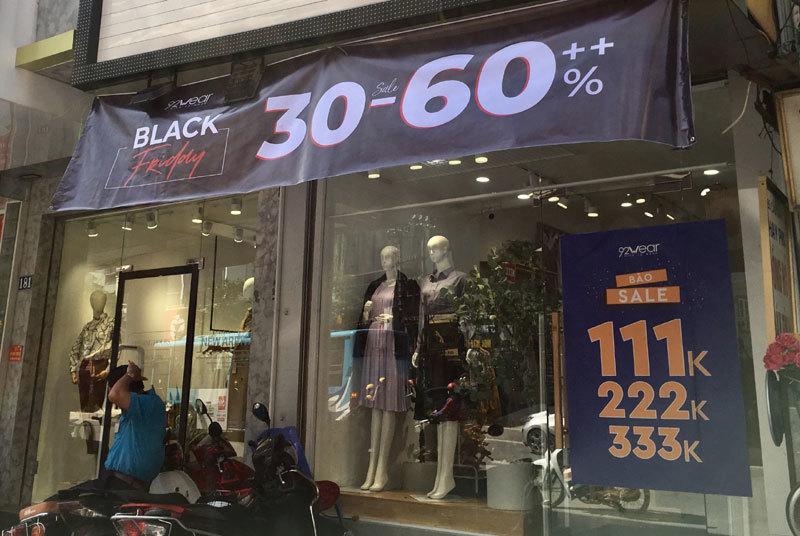 Chưa đến Black Friday đã bão giảm giá, quần áo giá 2.000 đồng-7