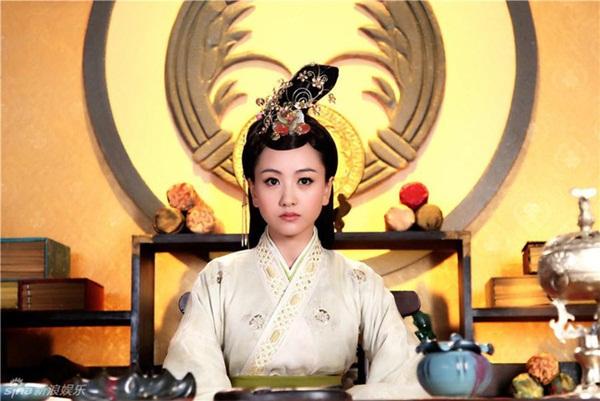 2 nữ nhân truyền kỳ trùng tên trong lịch sử Trung Hoa: Người may mắn hạ sinh 4 vị Hoàng đế, kẻ bất hạnh bị gả cho 3 vị Hoàng đế-1