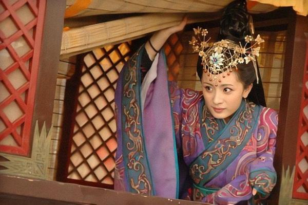 2 nữ nhân truyền kỳ trùng tên trong lịch sử Trung Hoa: Người may mắn hạ sinh 4 vị Hoàng đế, kẻ bất hạnh bị gả cho 3 vị Hoàng đế-2