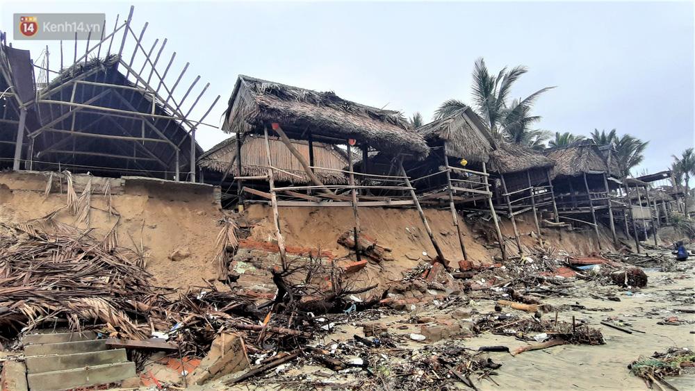 Người dân Hội An thẫn thờ nhìn bờ biển Cửa Đại, An Bàng tan hoang, hàng loạt căn nhà bị sóng biển nuốt chửng-3
