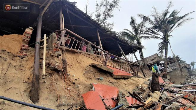Người dân Hội An thẫn thờ nhìn bờ biển Cửa Đại, An Bàng tan hoang, hàng loạt căn nhà bị sóng biển nuốt chửng-4