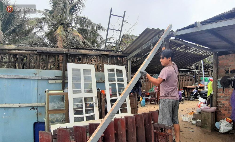 Người dân Hội An thẫn thờ nhìn bờ biển Cửa Đại, An Bàng tan hoang, hàng loạt căn nhà bị sóng biển nuốt chửng-7