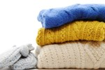 Giặt khô áo khoác lông vũ hay giặt tay thì tốt hơn? Mách bạn 5 mẹo để làm sạch mà không bị mất dáng, phai màu-6