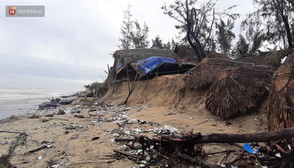Người dân Hội An thẫn thờ nhìn bờ biển Cửa Đại, An Bàng tan hoang, hàng loạt căn nhà bị sóng biển nuốt chửng-20