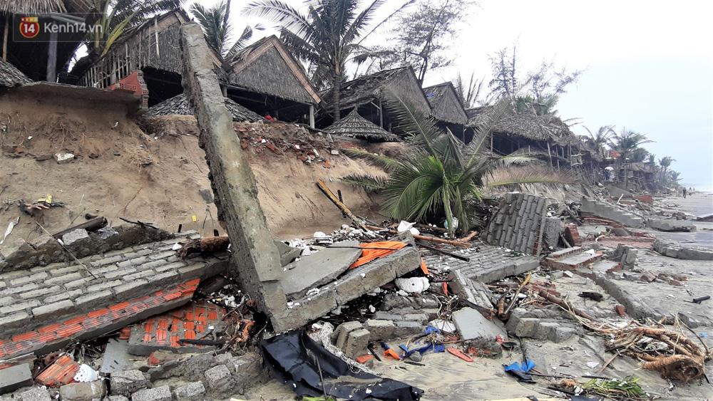 Người dân Hội An thẫn thờ nhìn bờ biển Cửa Đại, An Bàng tan hoang, hàng loạt căn nhà bị sóng biển nuốt chửng-21
