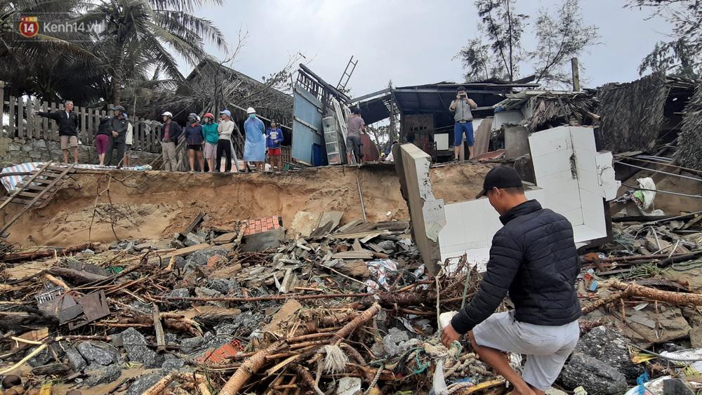 Người dân Hội An thẫn thờ nhìn bờ biển Cửa Đại, An Bàng tan hoang, hàng loạt căn nhà bị sóng biển nuốt chửng-16