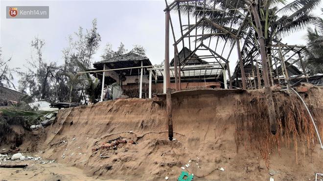 Người dân Hội An thẫn thờ nhìn bờ biển Cửa Đại, An Bàng tan hoang, hàng loạt căn nhà bị sóng biển nuốt chửng-6