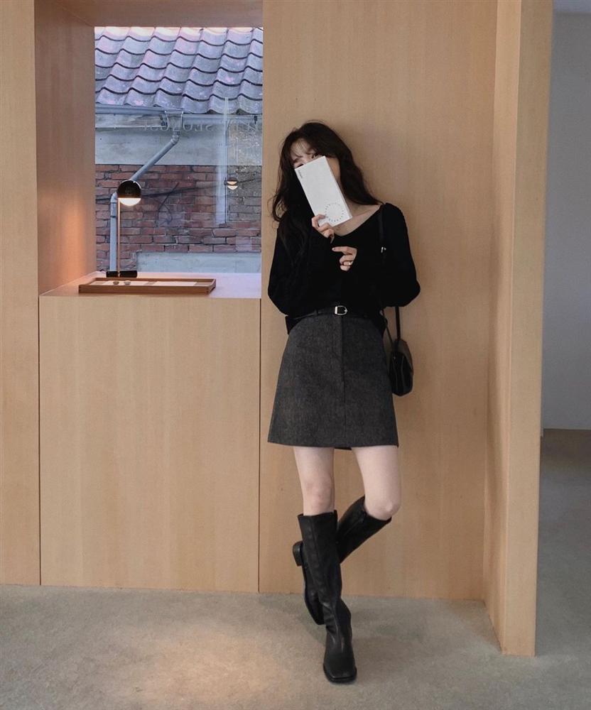 Là chân váy ngắn nhưng 4 kiểu này cực hợp mùa Đông, diện lên đã trẻ ra còn cao thêm ít nhất 5 phân-1