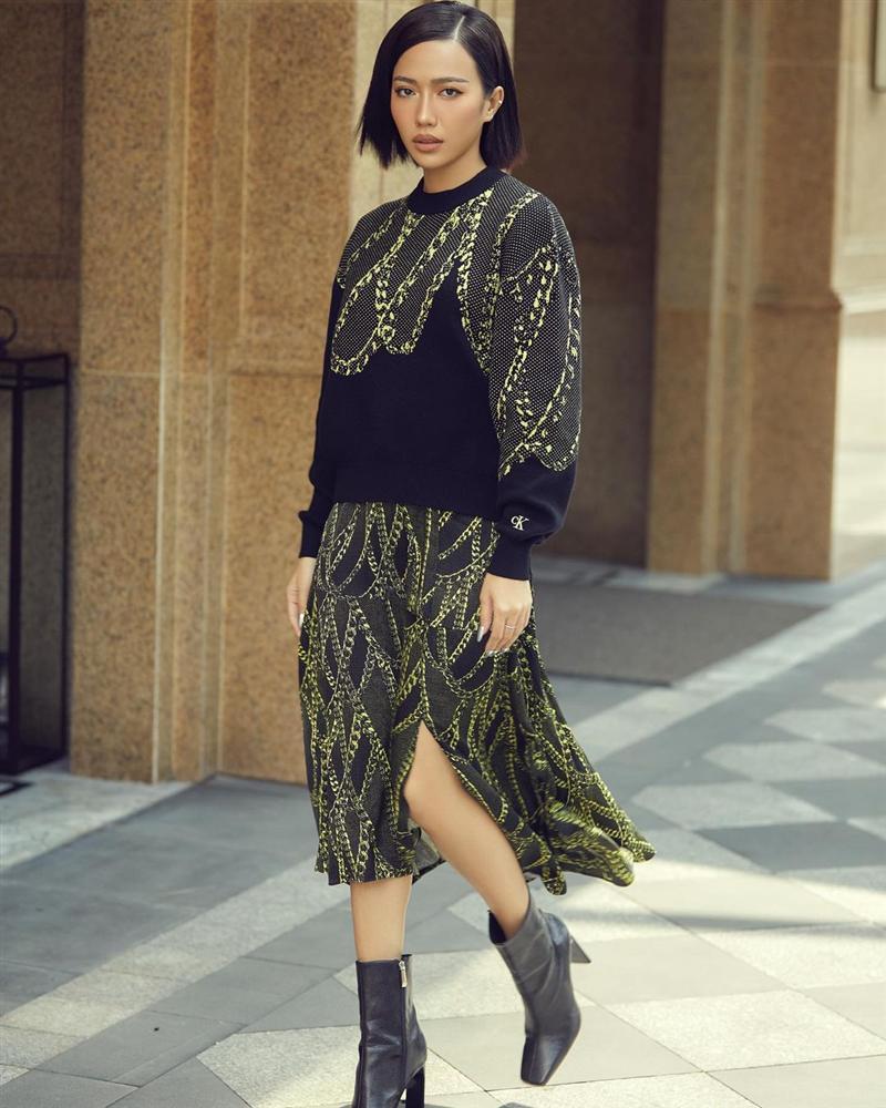 STREET STYLE: Thúy Vi diện váy như đồ ngủ - Đào Bá Lộc ngày càng nữ tính-4