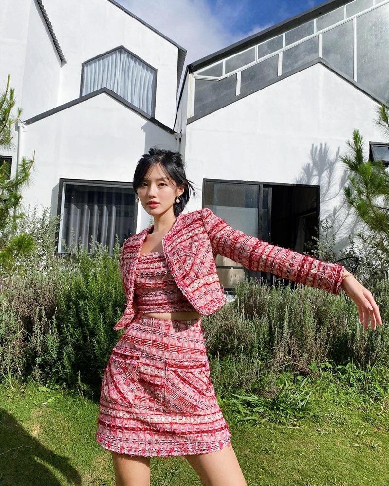 STREET STYLE: Thúy Vi diện váy như đồ ngủ - Đào Bá Lộc ngày càng nữ tính-6