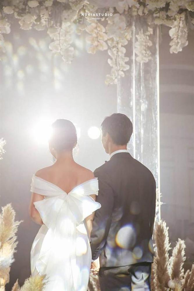 Ngày vui của Công Phượng và Viên Minh xuất hiện trên một loạt báo Trung, được ca tụng không ngớt lời-6