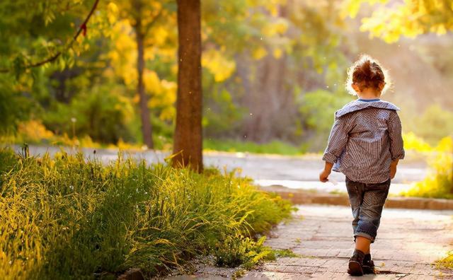 """Khi sắm trang phục cho trẻ em có nhất thiết phải mua trước size lớn không? Có những món đồ mua rộng tưởng tiết kiệm hóa ra lại hại con""""-5"""