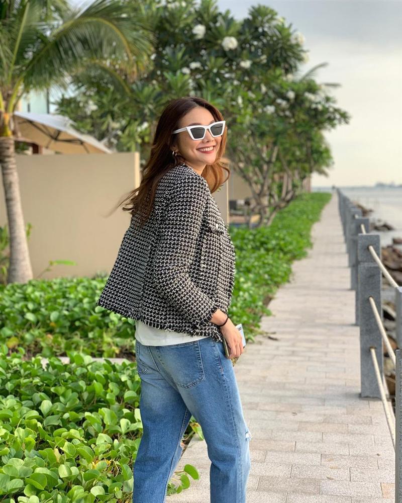 5 mẫu áo khoác được các mỹ nhân Việt lăng xê tích cực vì mặc kiểu gì cũng đẹp và 100% sành điệu-10