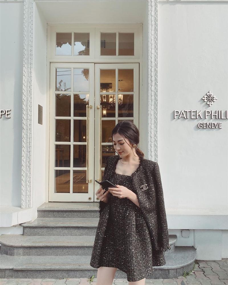 5 mẫu áo khoác được các mỹ nhân Việt lăng xê tích cực vì mặc kiểu gì cũng đẹp và 100% sành điệu-12