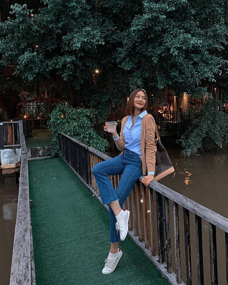 5 mẫu áo khoác được các mỹ nhân Việt lăng xê tích cực vì mặc kiểu gì cũng đẹp và 100% sành điệu-13