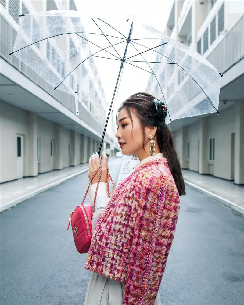5 mẫu áo khoác được các mỹ nhân Việt lăng xê tích cực vì mặc kiểu gì cũng đẹp và 100% sành điệu-9